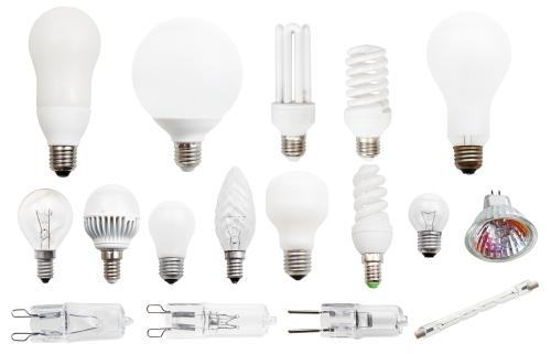 照明器具の種類はたくさんあります。 裸電球、LED電球、蛍光灯型電球また、その形も様々です。
