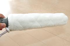 隙間掃除用の筒型マイクロファイバーパッド