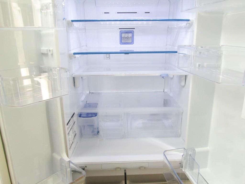 冷蔵庫の引越しは、前日に中身を全て出してカラにしておく