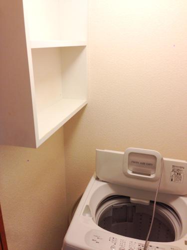 洗濯機の上には棚がある物件が多かったですが、あまり大きくはなかったです。