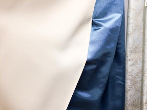 裏地つきカーテン