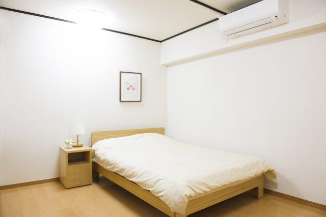 組み立て式で、引っ越しの際に分解が難しいベッド