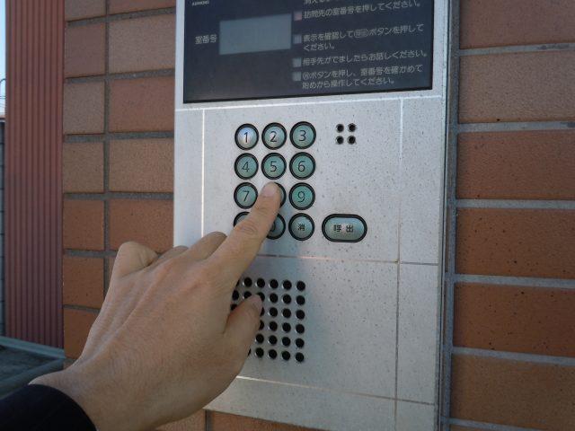 集合住宅のインターフォン