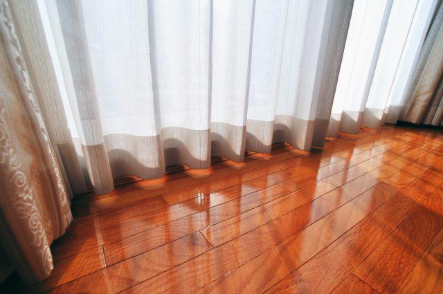 リビングルームのカーテン