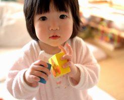 子供のおもちゃの梱包作業は大変です
