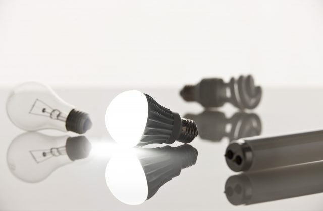 白熱電球、蛍光灯、LED電球