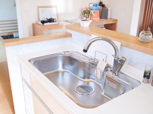キッチンと水道の蛇口